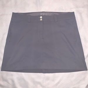 Nike dri-fit Golf skort 14 sleek gray with pockets